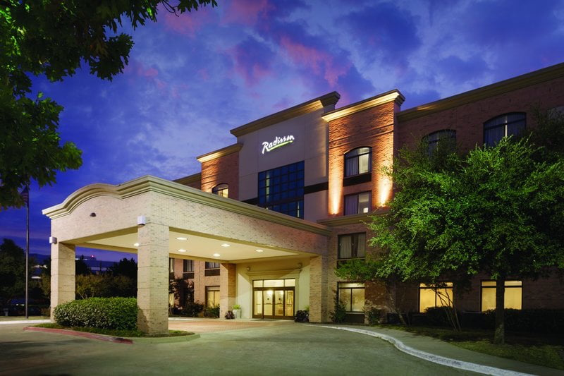 Radisson Dallas North Addison