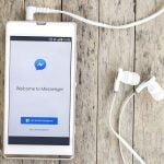 Facebook Messenger vs Email